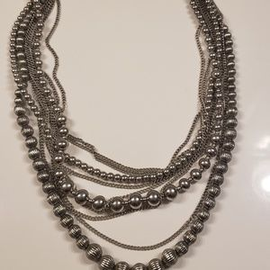 Very light weight Premier Designs necklace